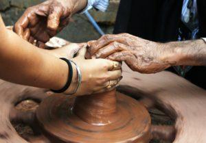 Mani di artigiano